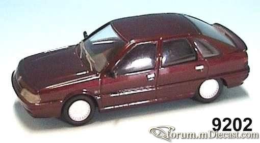 Renault 21 5d Gaffe.jpg