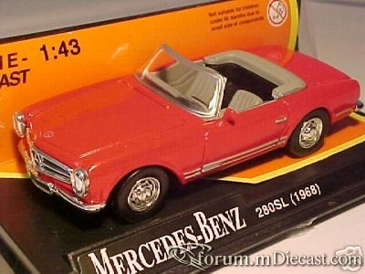 Mercedes-Benz W113 SL Cabrio 1968 New Ray.jpg