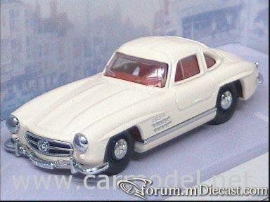 Mercedes-Benz W198 300SL 1955 Dinky.jpg