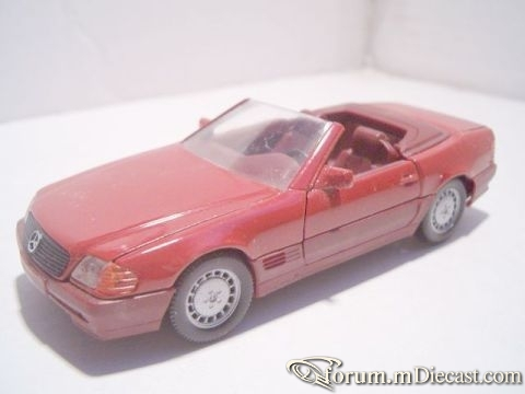 Mercedes-Benz R129 SL Cabrio 1992 Schabak.jpg