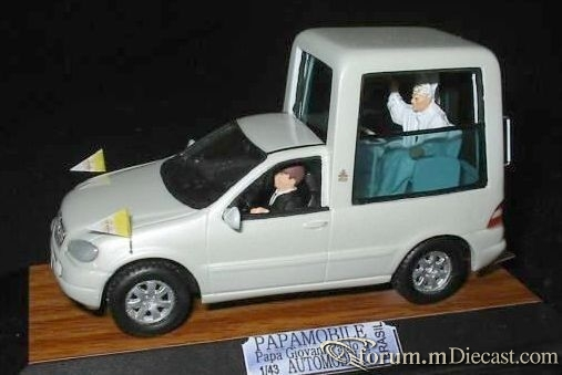 Mercedes-Benz W163 ML Popemobil A.Automodelli.jpg