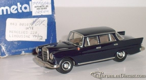Mercedes-Benz W110 200D 1966 Metal43.jpg