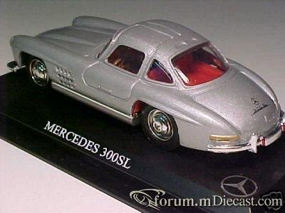 Mercedes-Benz W198 300SL 1954 Del Prado.jpg
