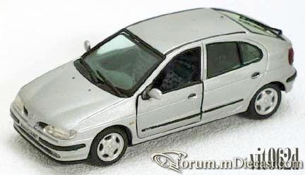 Renault Megane 1996 5d Vitesse.jpg