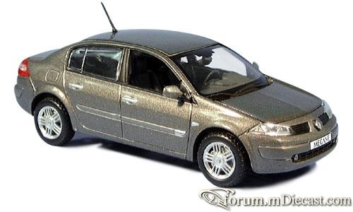 Renault Megane 2002 4d Norev.jpg