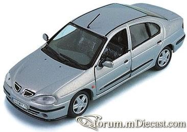 Renault Megane 1999 4d Vitesse.jpg