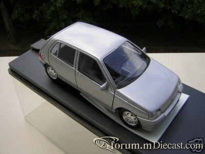 Renault Clio 1990 5d Verem.jpg