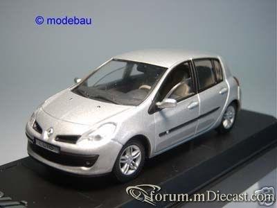 Renault Clio 2005 5d Solido.jpg