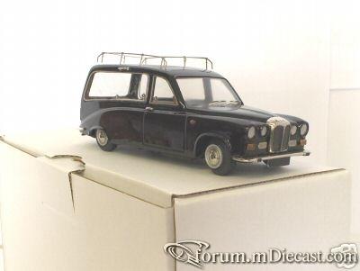 Daimler DS420 Hearse 1970 Minimarque43.jpg