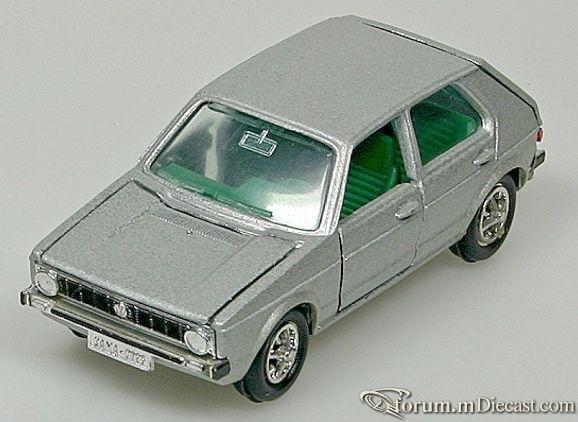 Volkswagen Golf I 5d 1974 Gama.jpg