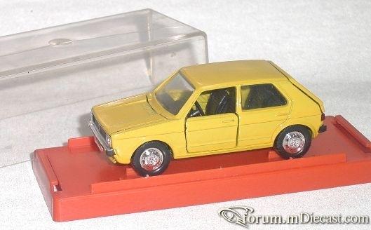 Volkswagen Golf I 5d 1974 Schuco.jpg
