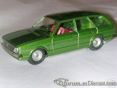 Volkswagen Passat I Variant 1974.jpg