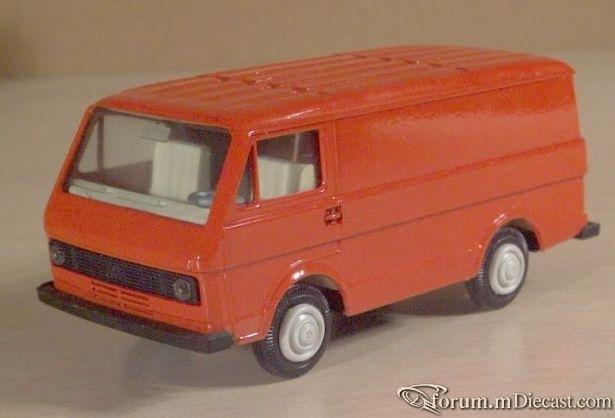 Volkswagen LT35 Van 1975.jpg