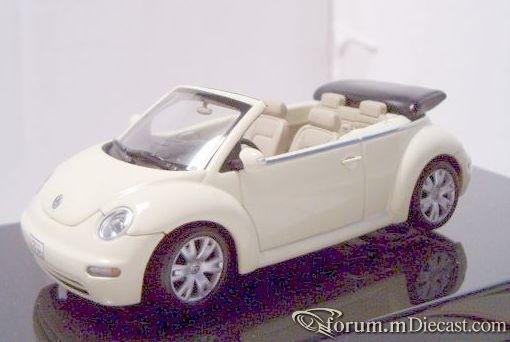 Volkswagen New Beetle Cabrio 2003 Autoart.jpg