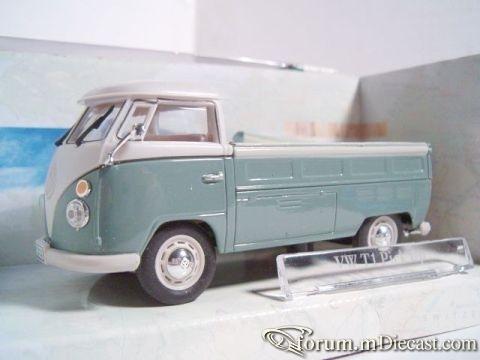 Volkswagen Transporter T1 Pickup Cararama.jpg