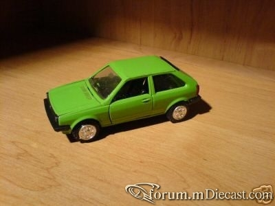 Volkswagen Polo II 3d 1981 Conrad.jpg