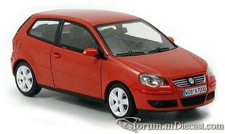 Volkswagen Polo IVF 3d 2005 Minichamps.jpg
