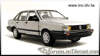 Volkswagen Santana 1982 4d.jpg