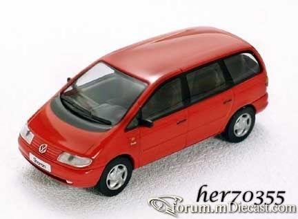Volkswagen Sharan 1995 Herpa.jpg