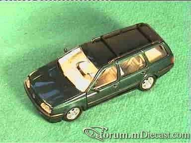 Volkswagen Golf III Variant 1991 Schabak.jpg