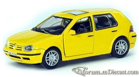 Volkswagen Golf IV 5d 1997 Cararama.jpg