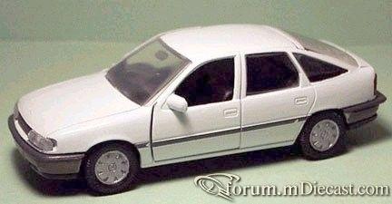 Opel Vectra A 5d Gama.jpg