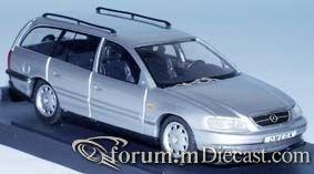 Opel Omega B1 Caravan.jpg