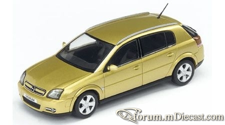 Opel Signum 2003 Schuco.jpg