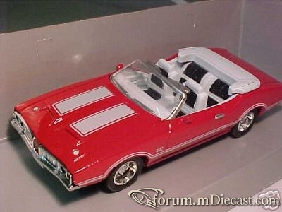 Oldsmobile 442 1970 Cabrio New Ray.jpg