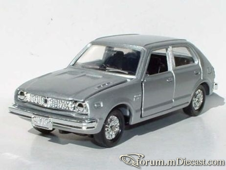 Honda Civic 1972 5d Dandy.jpg