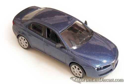 Alfa Romeo 159 2005 Norev.jpg
