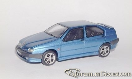 Alfa Romeo 146 1998 Alezan.jpg