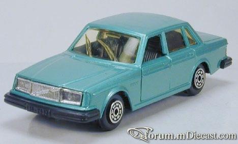 Volvo 264 Norev.jpg
