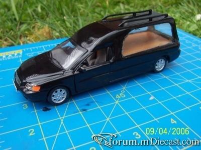 Volvo V70 II Hearse Cararama-C.jpg