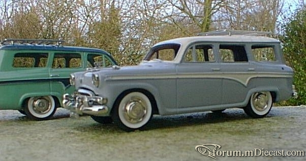 Austin A95 Estate 1956.jpg