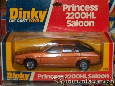 Austin Princess 2200HL 1975 Dinky.jpg
