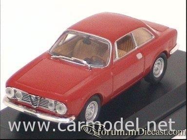 Alfa Romeo Giulia Sprint 1971 Solido.jpg