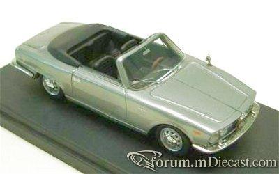 Alfa Romeo 2000 Sprint Bertone Looksmart.jpg