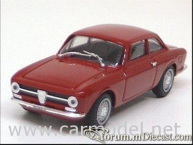 Alfa Romeo Giulia Sprint 1970 ProgettoK.jpg