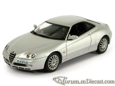 Alfa Romeo GTV 2003 Norev.jpg