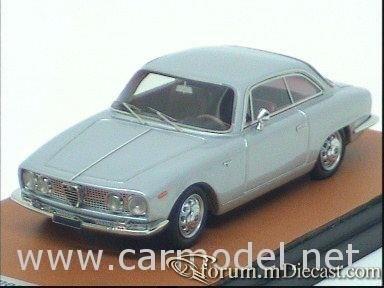 Alfa Romeo 2000 Sprint 1962 Looksmart.jpg