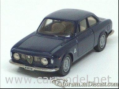 Alfa Romeo Giulia Sprint 1965 Century.jpg