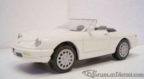 Alfa Romeo Spider 1990 New Ray.jpg