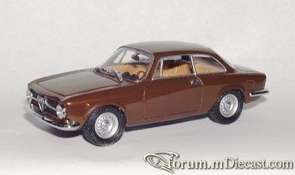 Alfa Romeo Giulia Sprint 1965.jpg