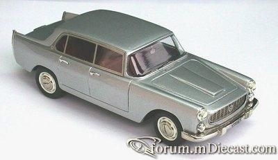 Lancia Flaminia 1958 4d Tron.jpg