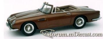 Aston Martin DB5 Volante.jpg