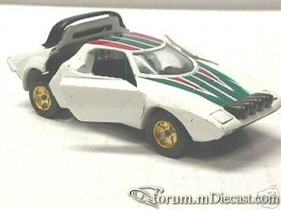 Lancia Stratos 1974 Sakura.jpg