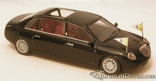 Lancia Thesis Limousine Popemobile 2003 ABC-Romano.jpg