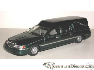 Lincoln Town Car 1998 Hearse ELC.jpg