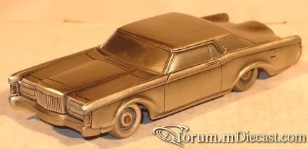 Lincoln Continental 1969 2d CollectorsMint.jpg
